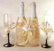 Свадебное оформление шампанского и бокалов