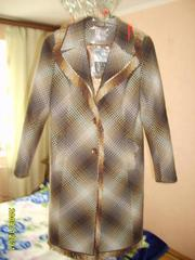 Продам интересное и оригинальное демисезонное пальто
